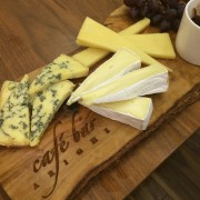 cafe_arighi_cheese_board